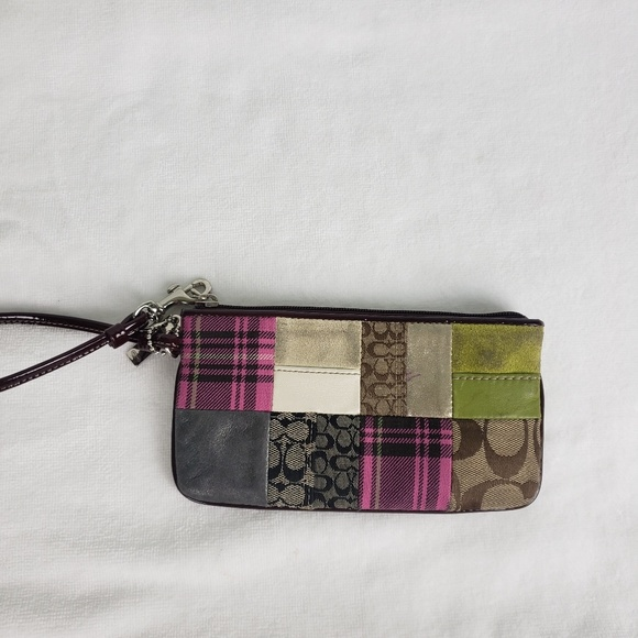 Coach Handbags - Coach Wristlet Multicolor